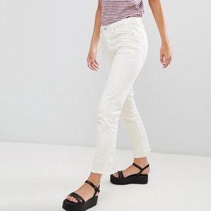Free People   White Raw Hem Slim Boyfriend Jeans